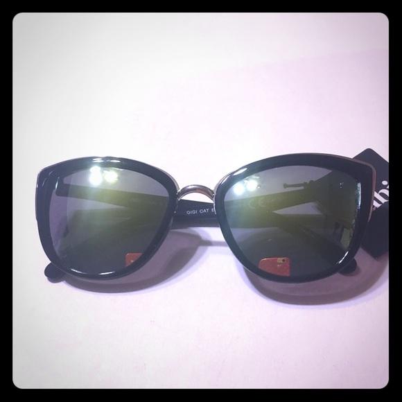 a96ede9e9e NWT Rubi Gigi cat eye sunglasses